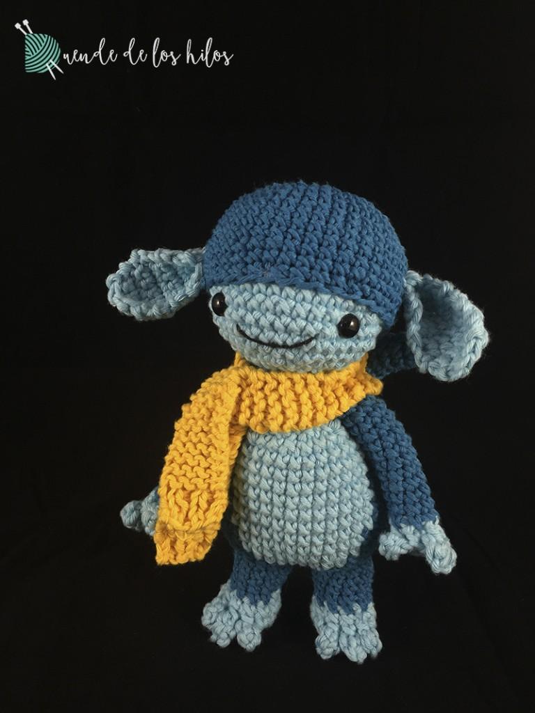 amigurumi mono azul bufanda 2
