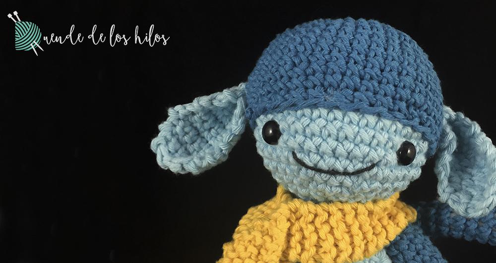 amigurumi mono azul bufanda