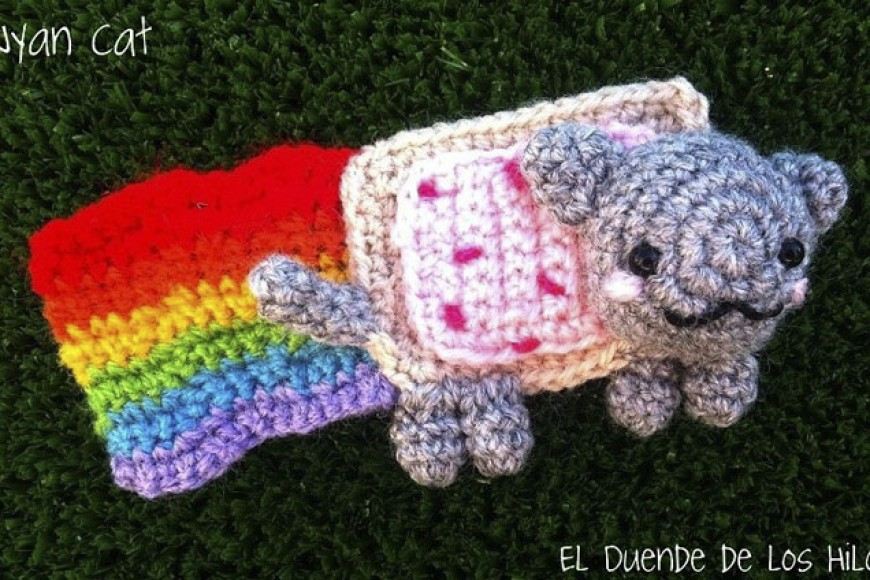 Nyan cat… peluche-broche!!
