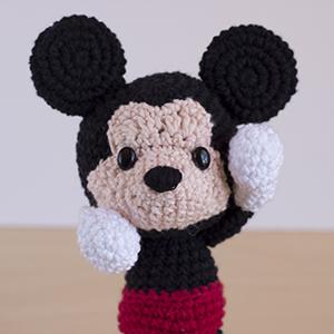 Ravelry: Amigurumi Mickey Mouse pattern by Duende de los Hilos   300x300