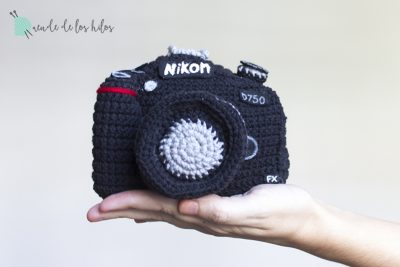 Nikon, cámara de amigurumi